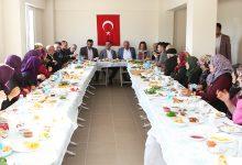 Photo of Başkan Özcan dün olduğu gibi bugün de halkla iç içe