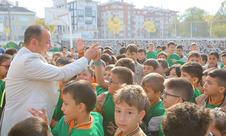 Photo of Gazipaşa öğrencilerinden Belediye Başkanı Tanju Özcan'a sevgi seli